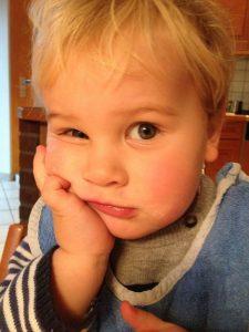 Unser Enkelsohn Levi - Nachdenklich. Ist Opa doof?